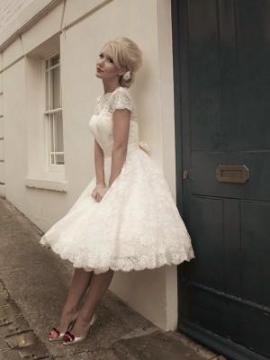 Forme Princesse Col haut Manches courtes Dentelle Longueur mollet Robe de mariée avec Bowknot