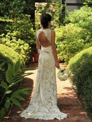 Forme Fourreau Col V Balayage/Pinceau traîne Sans manches Robe de mariée