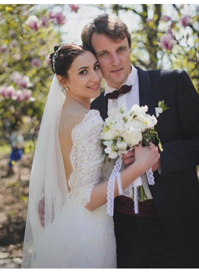 Forme Fourreau Col V Balayage/Pinceau traîne Manches 1/2 Dentelle Robe de mariée