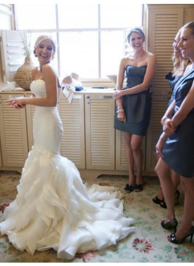 Forme Sirène/Trompette Amoureux Traîne moyenne Sans manches Satiné Robe de mariée avec Dentelle